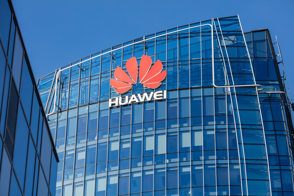 """The US has expanded its lawsuit against Huawei, accusing the Chinese telecoms giant of a """"decades-long"""" plan to steal technology from US firms. Federal prosecutors announced Thursday new criminal charges against Huawei and two of its U.S. subsidiaries, which included racketeering conspiracy charges and a charge of plotting to steal trade secrets from American companies."""